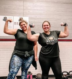 Fit In 42 Kingwood Texas Gym members flexing