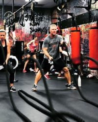 Woman and man ropes - Fit In 42 Studio Gym